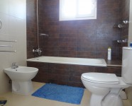 Ref 80 Monte13 – Bathroom upstairs