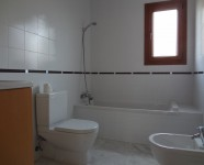 Ref 450 La Finca no79 9 – Bathroom downstairs no77